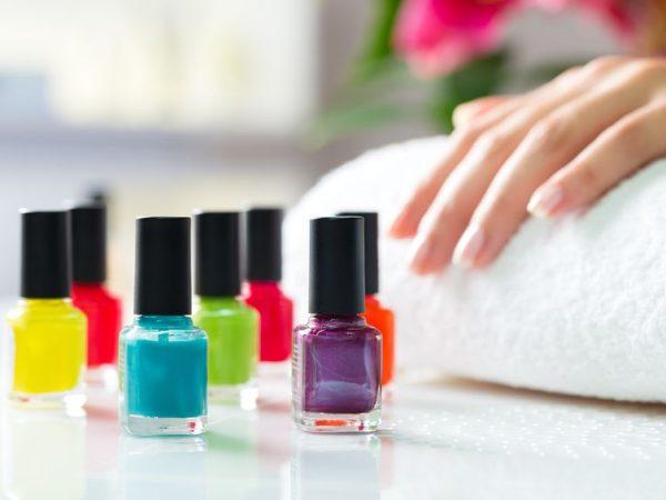 Existe una extensa variedad de colores y diseños para el pintado de tus uñas. (Fuente: Kzenon: 17324711/ 123rf.com)