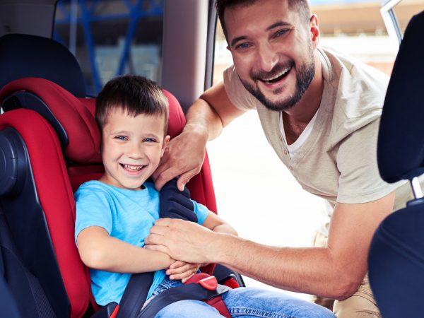 Asiento infantil para auto