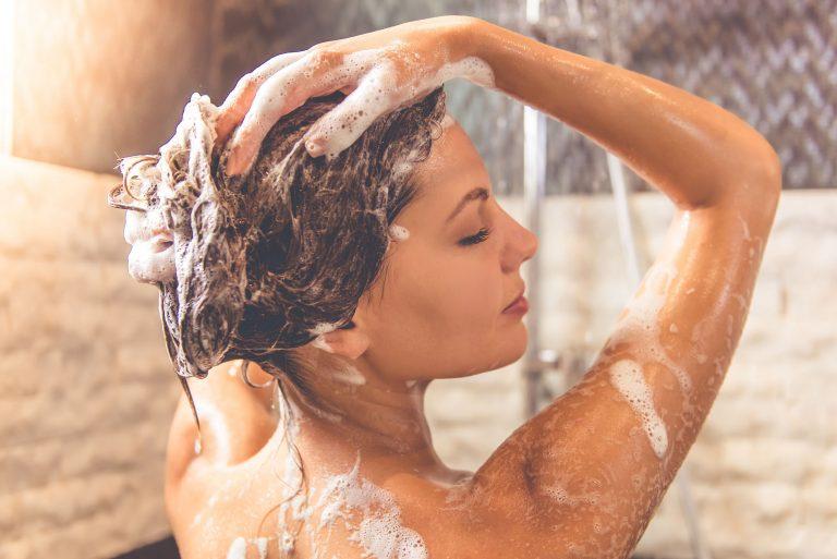 Shampoo para la caspa: ¿Cuál es el mejor del 2020?