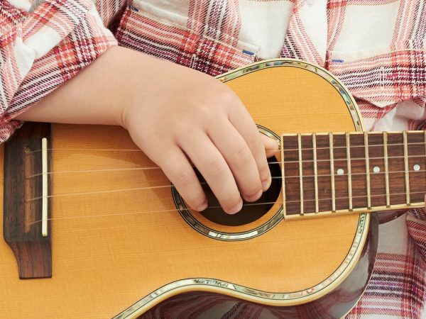 Guitarras para niños: ¿Cuál es la mejor del 2020?