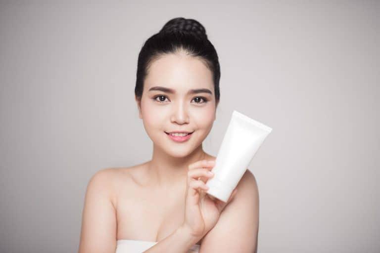 tratamiento-de-acne-Marctran-84202391_s-768x512