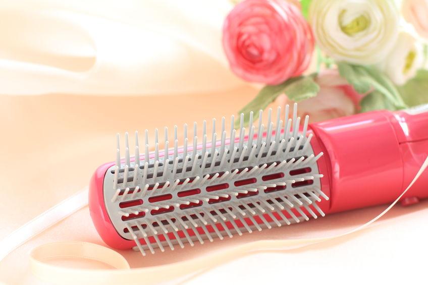 cepillo de cabello rosa