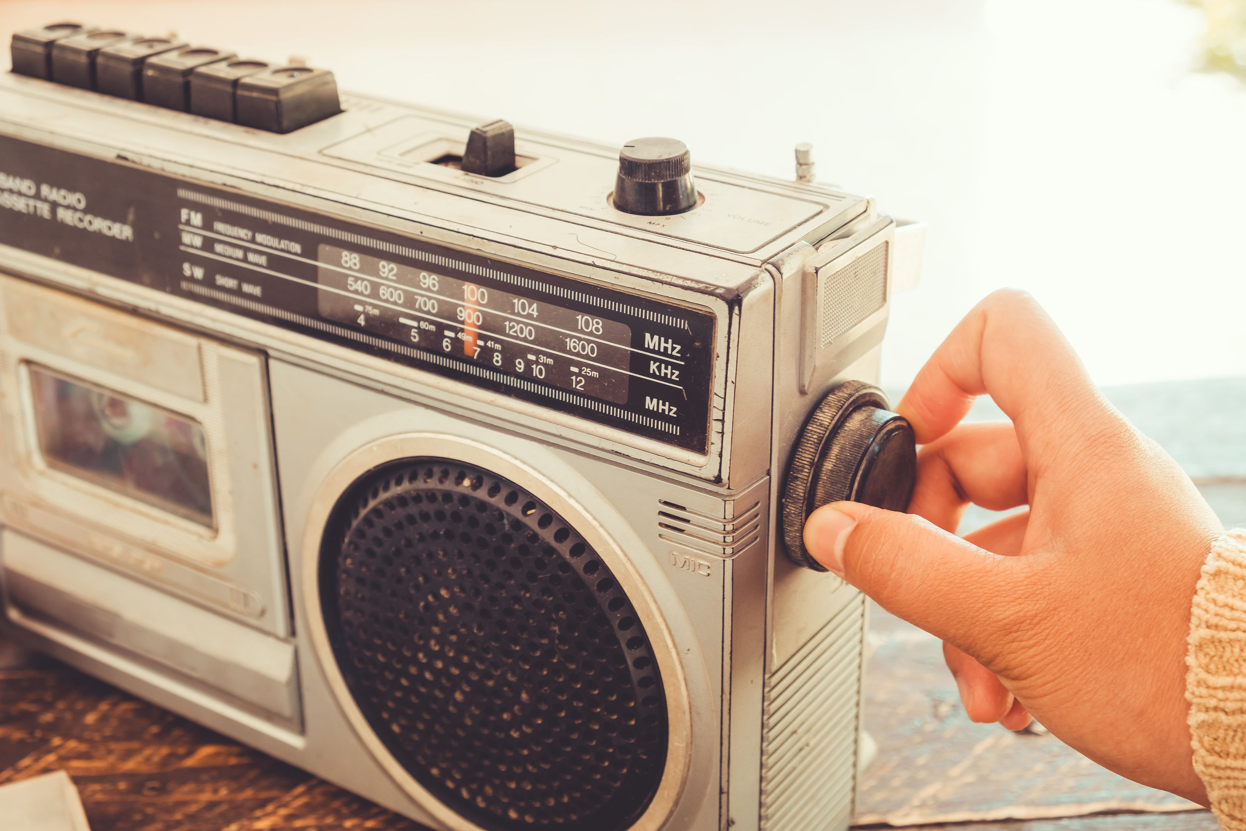 umy-radio-portátil-