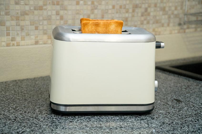tostadora blanca