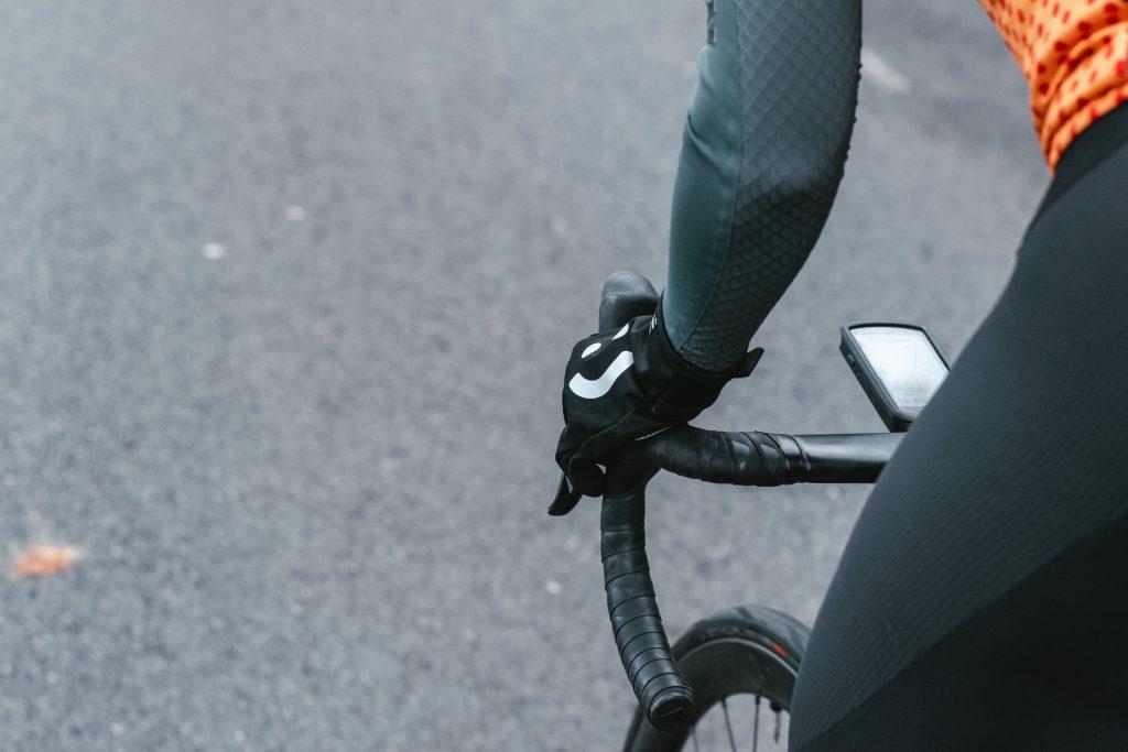 ciclista en competencia