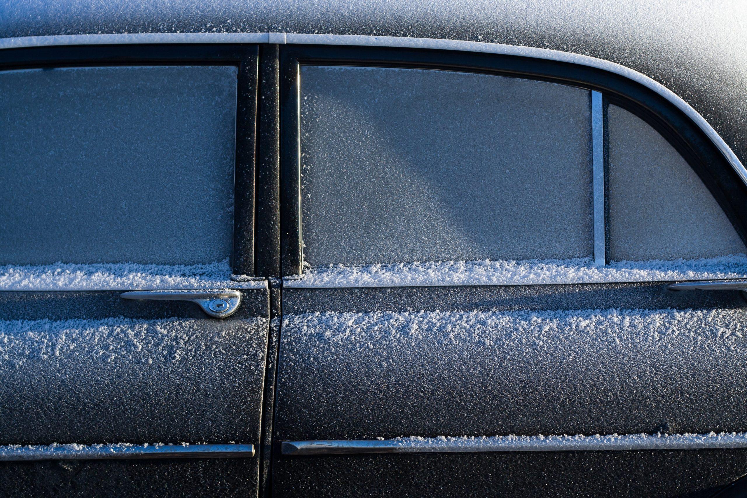 auto con nieve